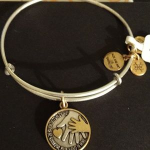 "ALEX AND ANIS ""HAND IN HAND II"" TWO TONE!!  NWT"